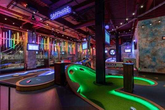 crazy golf christmas party london
